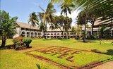 Recenze Reef Beach Hotel