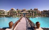 Hotelový komplex Saadiyat Rotana Resort & Villas