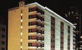 Hotel Ramada Suites, Centrum