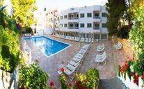 El Pinar Apartments - Cala Llonga, Španělsko