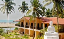 Riva Beach Resort - Goa, Indie
