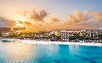 Holiday Inn Resort Aruba - Beach Resort & Casino - Palm - Eagle Beach, Aruba