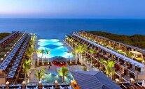Cratos Premium Hotel, Casino, Port & Spa - Kyrenia, Kypr