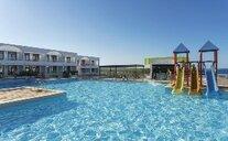 Beach Club - Playa de Son Parc, Španělsko