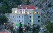 Hotel Villa Dvor - Omiš, Chorvatsko