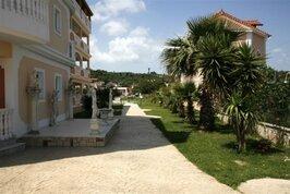 Dinos Studios - Řecko, Planos,