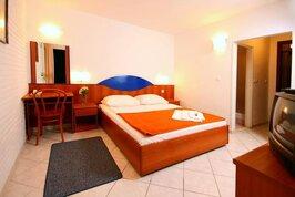 Adriatiq Resort Fontana - Chorvatsko, Jelsa,
