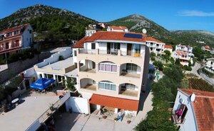 Recenze Pension Villa Jelavić - Seget Vranjica, Chorvatsko