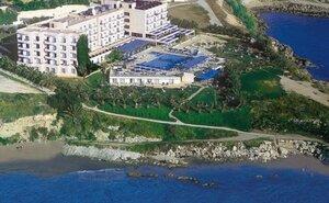 Recenze Queen's Bay Hotel - Paphos, Kypr