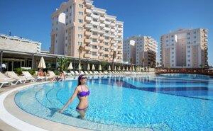 Recenze Ramada Lara Family Club - Lara, Turecko