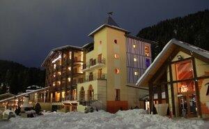 Hotel Design Oberloser - Madonna di Campiglio, Itálie