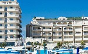 Recenze Hotel Touring - Rimini, Itálie