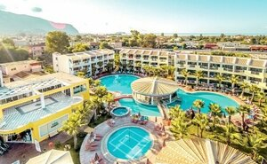 Recenze Caretta Beach Holiday Village - Kalamaki, Řecko
