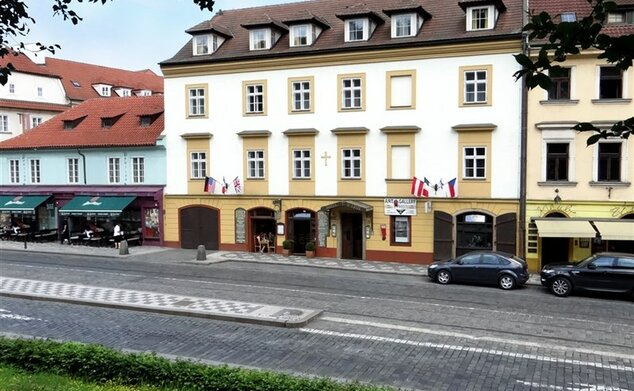 Hotel U Kříže