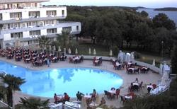 večerní zábava na bazénu,živá hudba denně