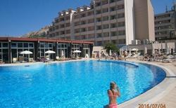 Bazénový hotel