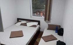 Hotelový pokoj ve spodní části pod restaurací