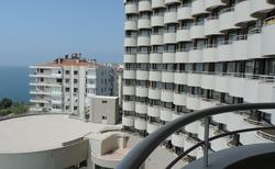Pohled na hotel z balkonu
