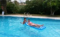 skvělé dovádení v bazeně apartmany Gela Korfu SIDARI