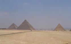 3 pyramidy