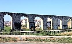 Starodavny Aquaduct v Larnake