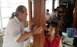 Lodní výlet okolo Thassosu - Pedro vykládá s Květou