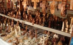 Ambositra - řezbářská Galerie Jean a Frere