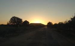 Cesta z Ifaty do Ambositra - svítání za Toliara