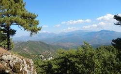 cestou z východu na západ Korsiky
