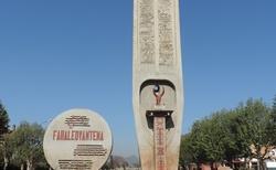 Antsirabe - stela nezávislosti