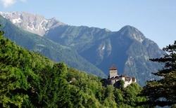 Hrad Vaduz z dálky