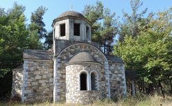 Thassos - cesta východní - kaplička před Limenasem