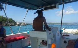 A plujeme kolem pobřeží Dominikánské republiky