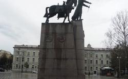 01 PAMÁTNÍK VELKOVÉVODY GEDIMINASE (Vytautas Kašuba 1996)