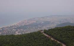 Cesta vysoko nad mořem