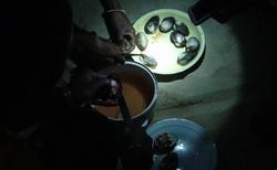 Ifaty - Restaurace Chez Daniel Piroguier - příprava zákusku po večeři