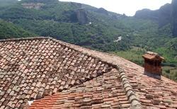 Romantika korýtkové střechy