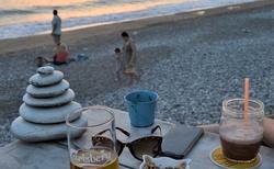 ..v Sea You Beach Bar, pri Potima Beach.