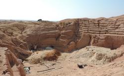 Ilakaka - důl na těžbu safírů - těžba safírů