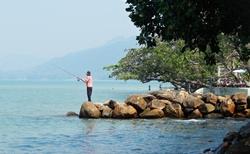Rybařící Thajec. Lepší je zaplatit si rybářský výlet