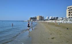 Makenzy Beach Larnaka