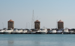Rhodos - Mandraki - větrné mlýny